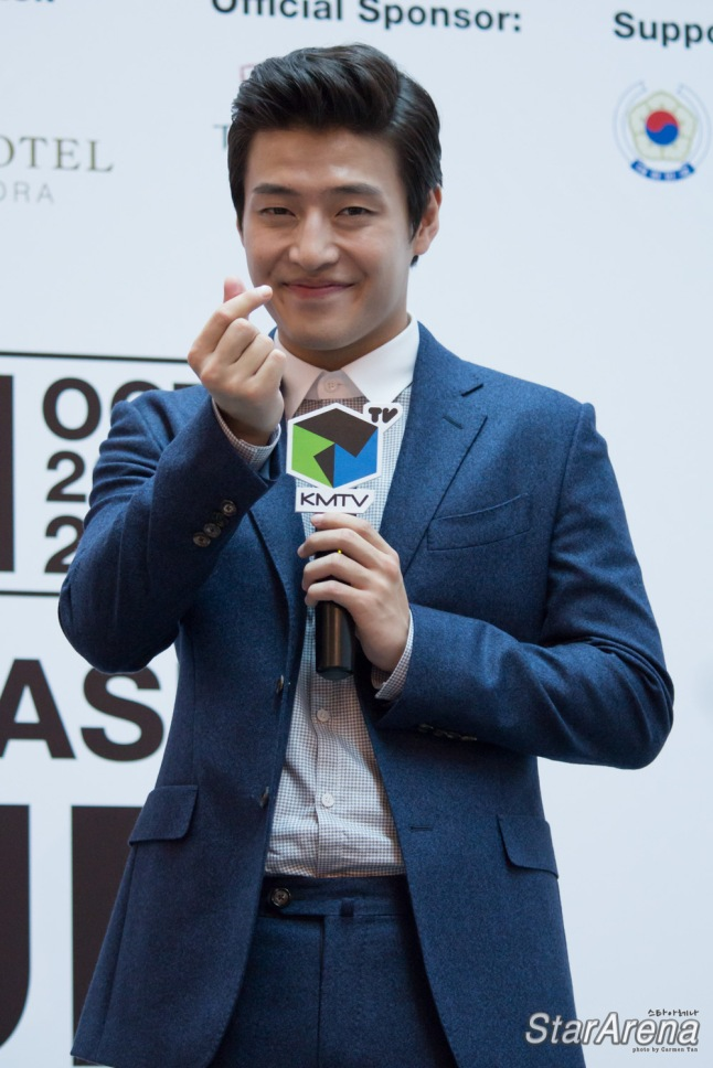 Kang Ha Neul-16