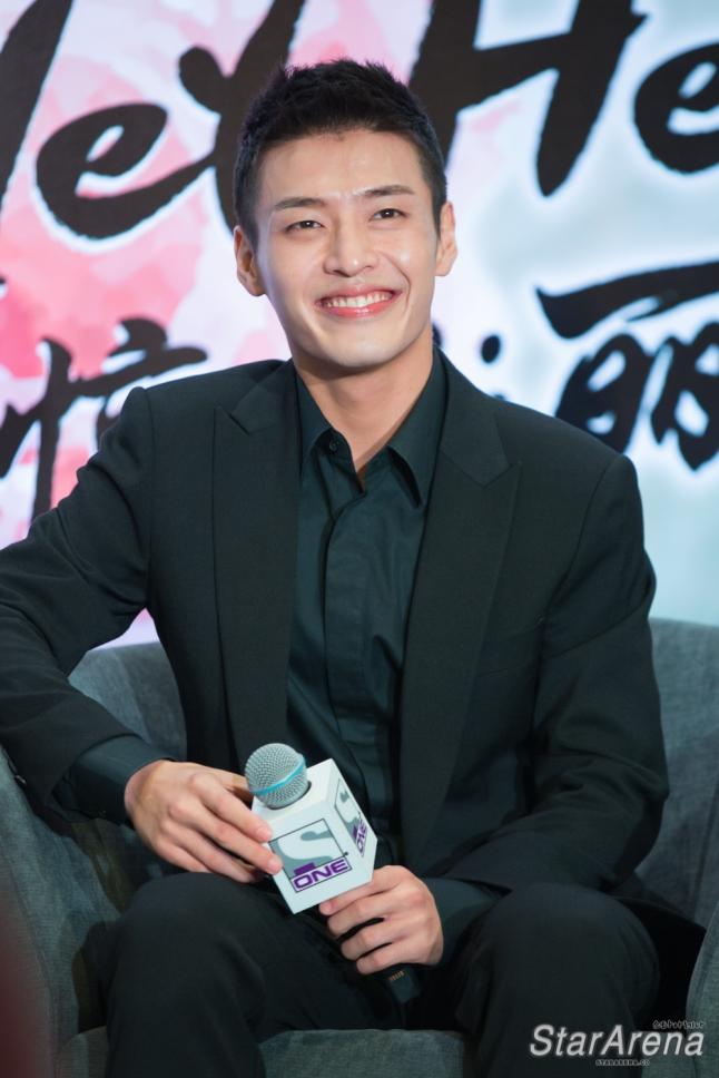 Kang Ha Neul-1