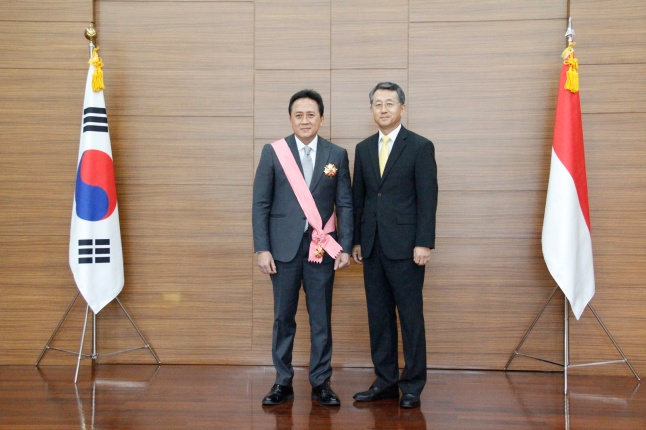Penganugerahan Gwanghwa Medal kepada Triawan Munaf - 03