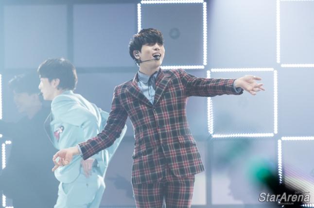 SHINee Jonghyun-1