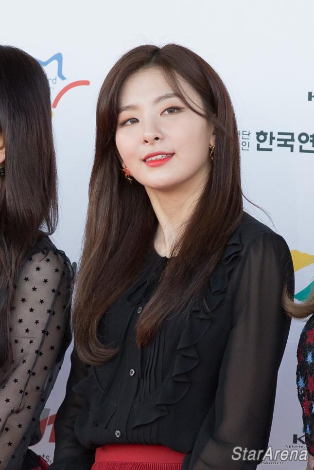 Red Velvet Seulgi-1