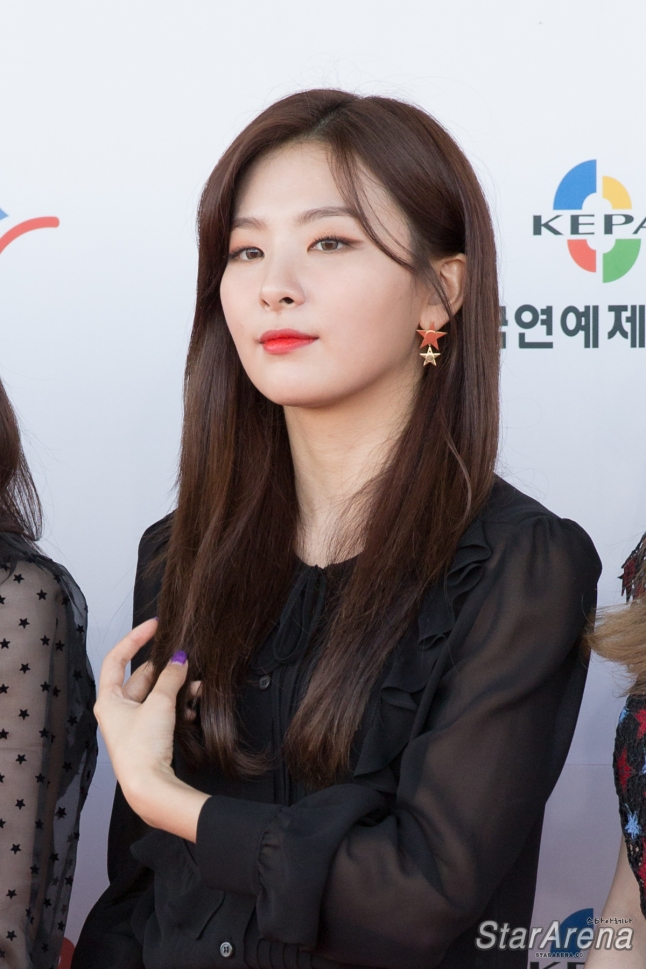 Red Velvet Seulgi-4