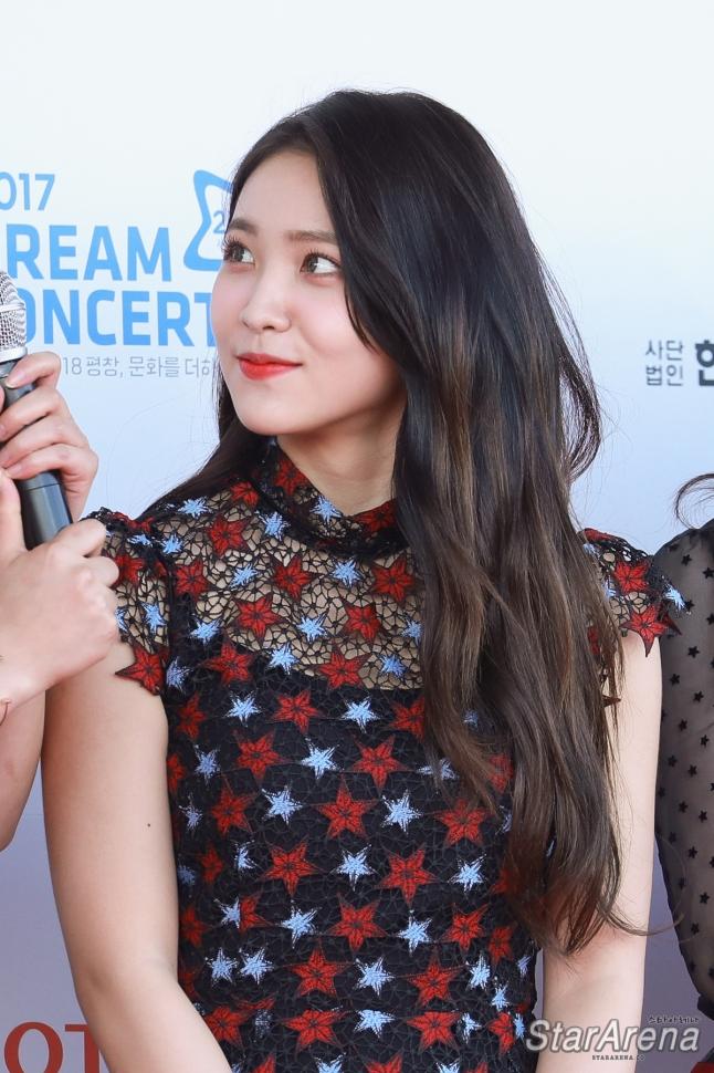 Red Velvet Yeri-6