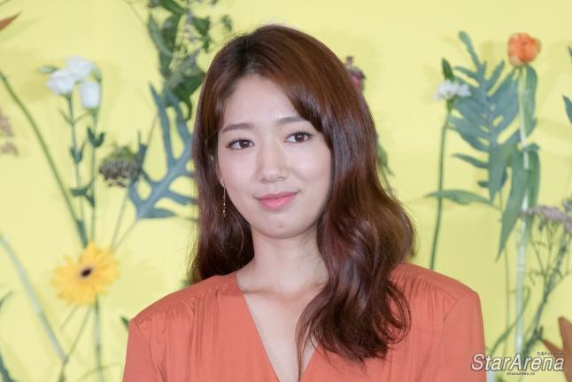 Park Shin Hye-21