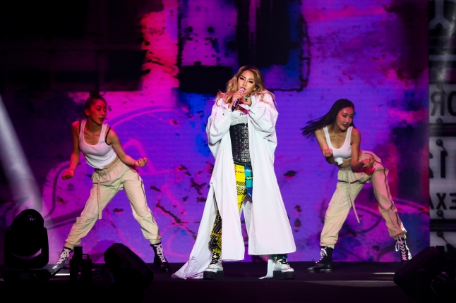 286915-CL performing at MTV Spotlight @ Hyperplay on 4 Aug Pic 2 (Credit – MTV Asia)-e6ae9c-original-1533395443